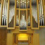 Orgel mit Orgelpfeifen